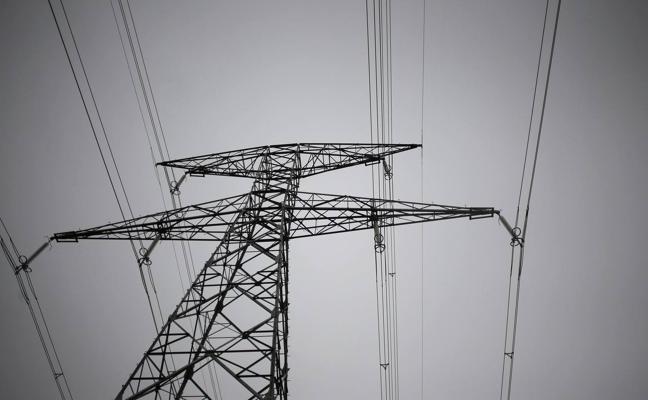 Industria prevé aprobar en días la línea eléctrica entre El Astillero y Cacicedo