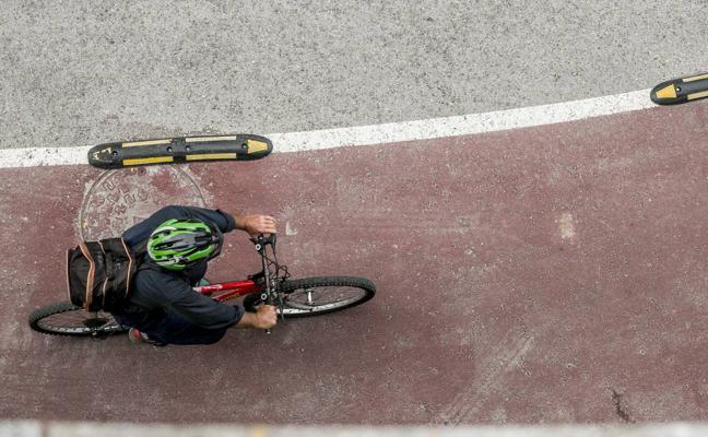 Cantabria con Bici reclama los tramos de carril prometidos entre Santander y Cabárceno