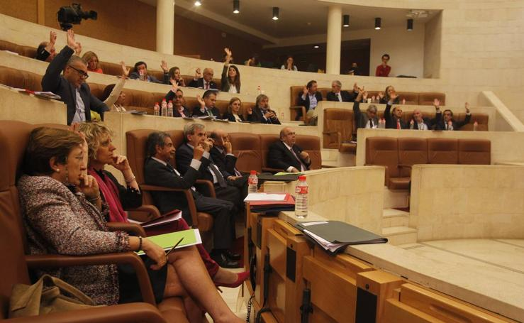 Segunda jornada del Debate de Orientación Política en el Parlamento de Cantabria