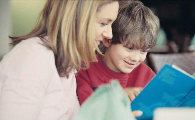 Leer en voz alta facilita el desarrollo psíquico del niño