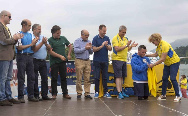 Imágenes de la prueba y entrega de premios de la XXIII Travesía a Nado Punta Parayas 'Memorial Pepe Gancedo'