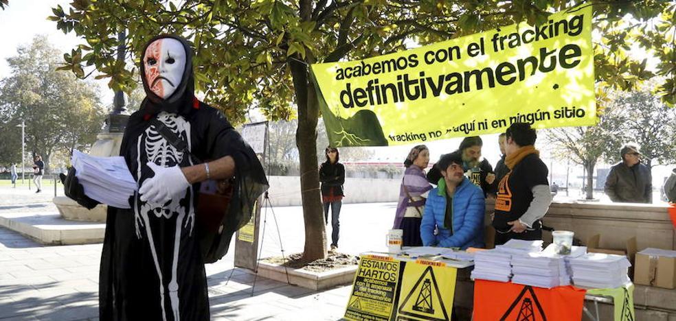 La asamblea 'antifracking' pide la anulación de los permisos caducados de Bezana y Bigüenzo