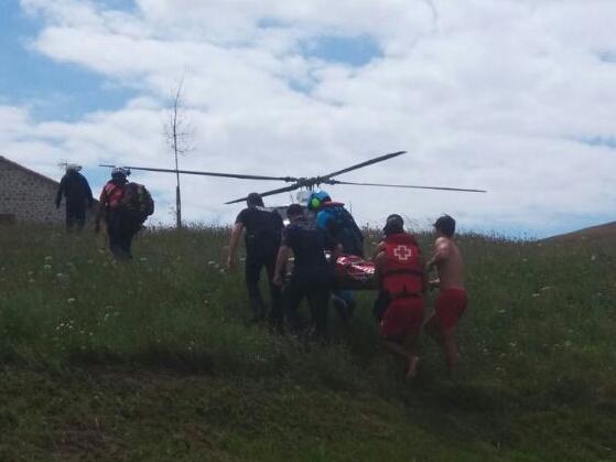 Rescatado un hombre de 25 años en Usgo, a punto de ahogarse