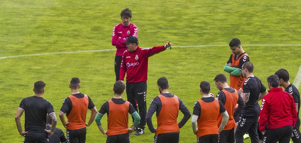 El Racing arranca este lunes en La Albericia con 16 jugadores del primer equipo
