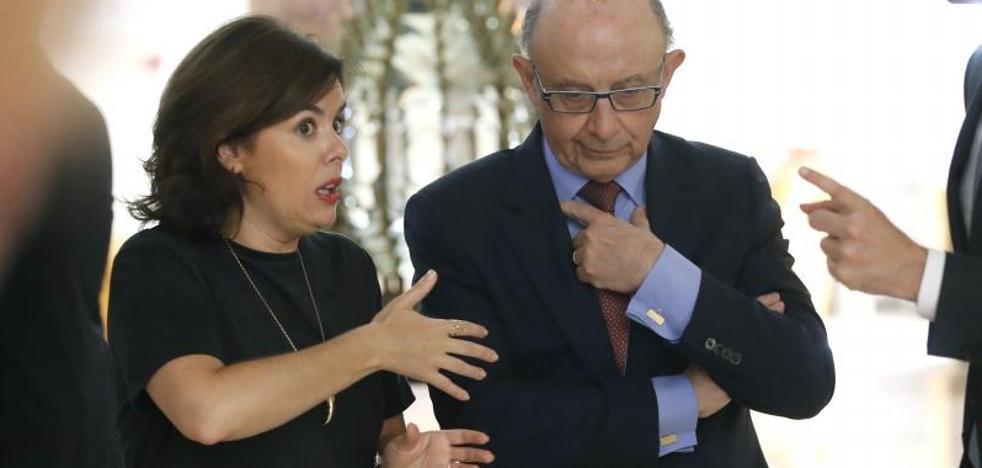 Santamaría: «Puigdemont y Junqueras deben asumir su fracaso»