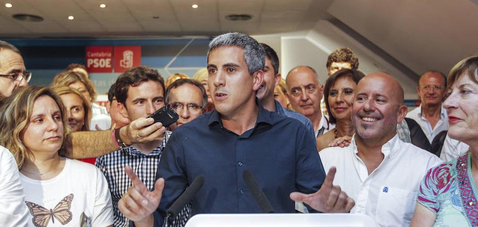 Zuloaga copia el documento político de Sánchez y lo echa atrás horas después