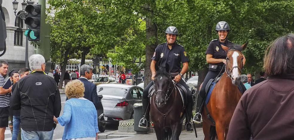 La Policía patrulla a caballo
