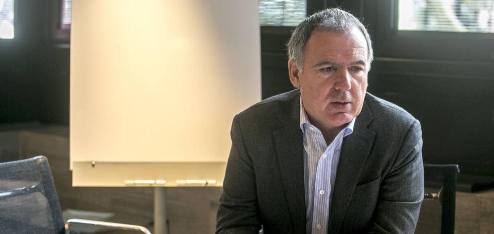 La petición de Vidal de la Peña de hablar en el Parlamento divide a los partidos