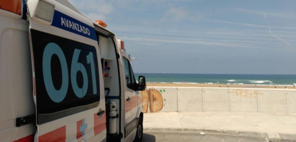 Dos bañistas fallecen, uno en la playa de Somo y otro en la de Laredo