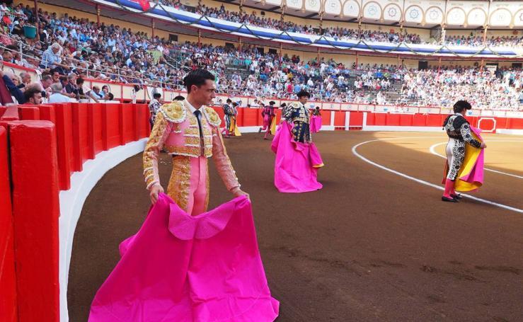 El Cid, Ureña y Garrido frente a los toros de Adolfo Martín