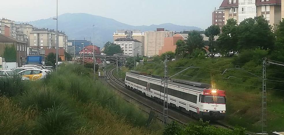 La huelga en Adif y Renfe podría afectar hoy a los trenes de cercanías en Cantabria