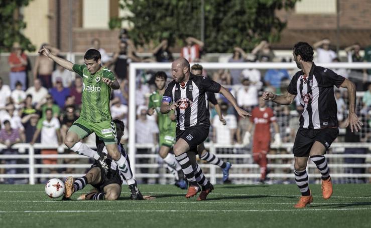 El Racing empata en Escobedo (2-2)