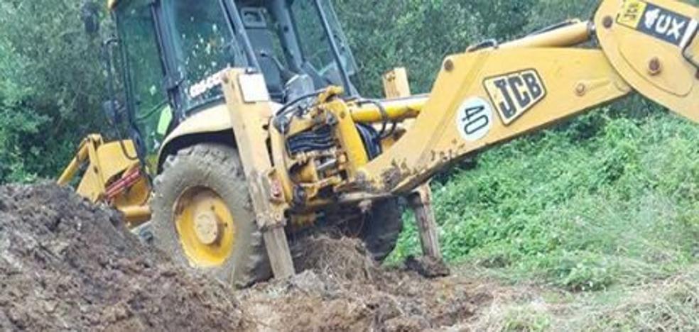 La rotura de la tubería general deja a los vecinos de Mogro sin agua