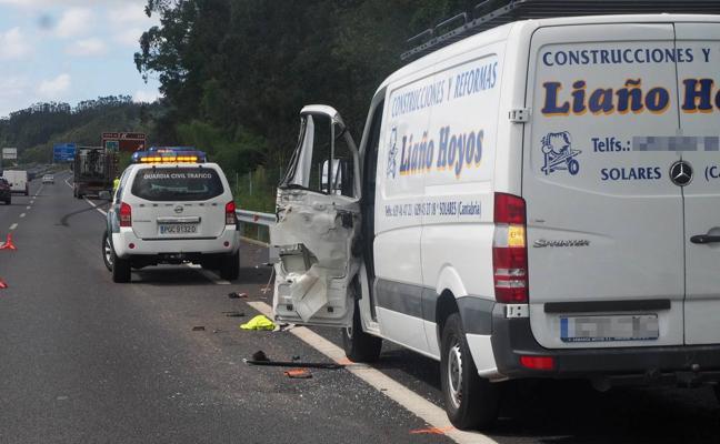 Fallece un hombre al ser arrollado tras bajarse de una furgoneta en la autovía