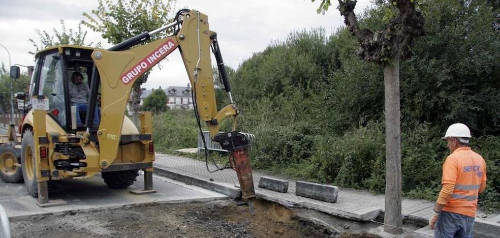 IU de Laredo lamenta la aparición de socavones tras la reciente reparación de los saneamientos