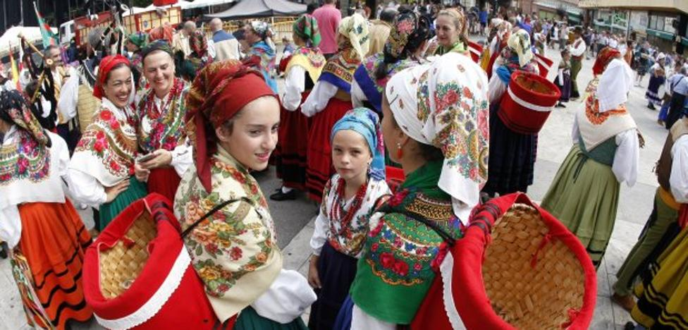 La ciudad se convierte en capital del folclore