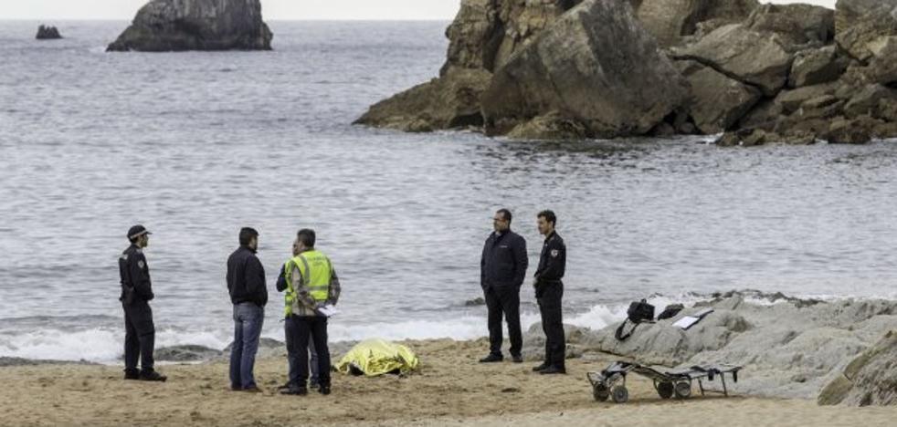 El verano deja ya trece muertos entre ahogados y accidentes en la carretera