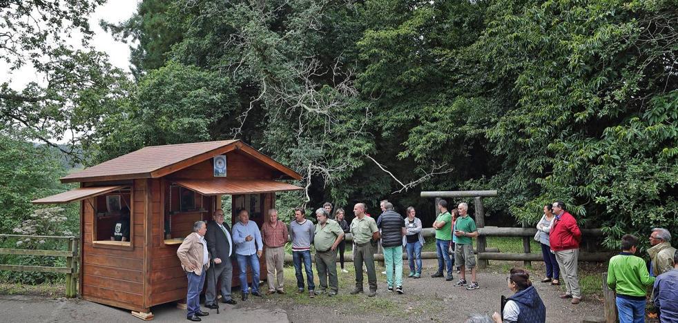 Nuevo punto de información turística en el bosque de las secuoyas de Cabezón de la Sal