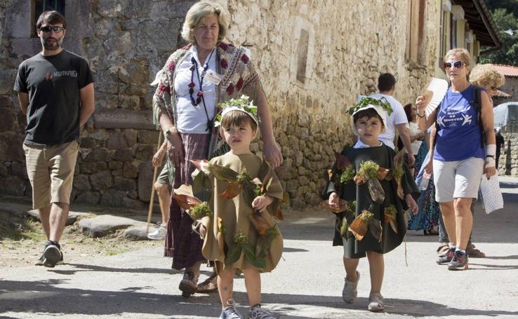 Anievas vuelve a convertirse en 'Un pueblo de leyenda'