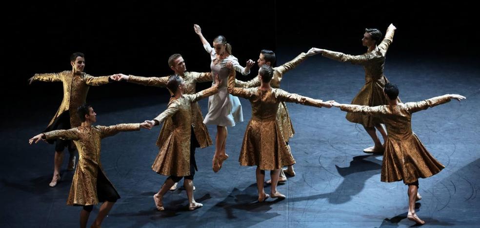 El FIS sueña el cuento de 'La Bella y la Bestia' con Malandain Ballet Biarritz