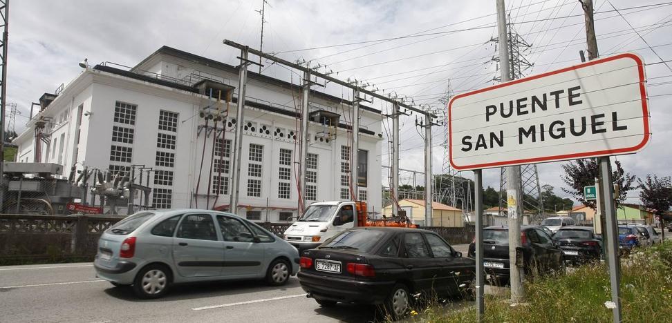 Reocín comienza a sancionar hoy con su nuevo semáforo 'foto-rojo' en Puente San Miguel