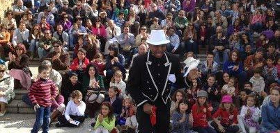 I Festival Internacional de la Magia y el Circo en Noja