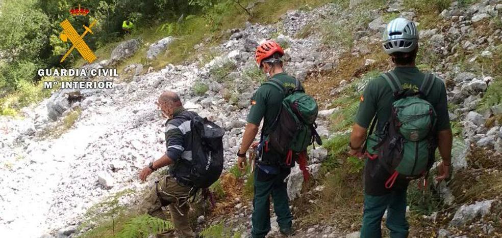 Rescatan a un hombre de 71 años enriscado en la ferrata de La Hermida