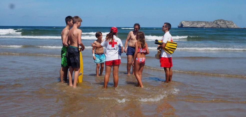 Suances exigirá al Gobierno «depurar responsabilidades» por la contaminación en las playas
