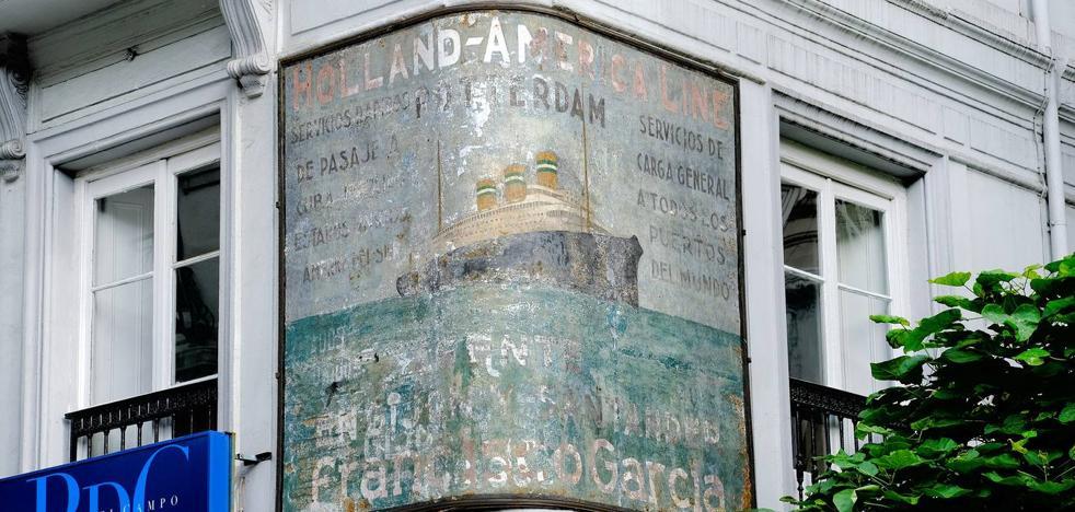 El mural de la antigua naviera Holland-América Line, junto a la Plaza de Pombo, será restaurado por el Ayuntamiento