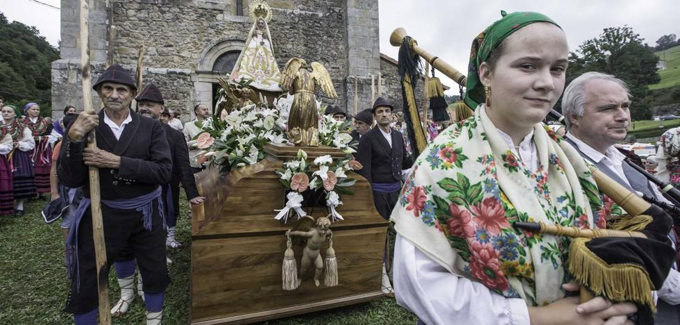 Fervor pasiego por la Virgen de Valvanuz