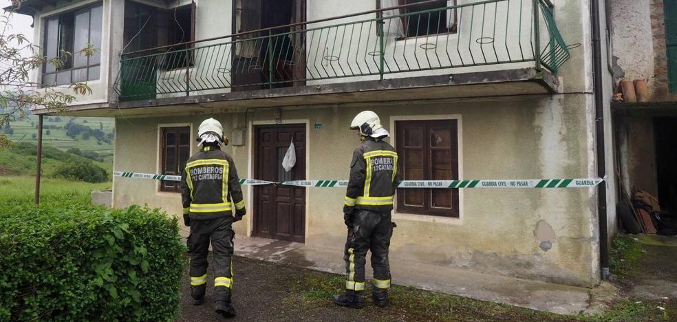 «Cuando intentaron entrar ya había muchas llamas y no pudieron hacer nada»