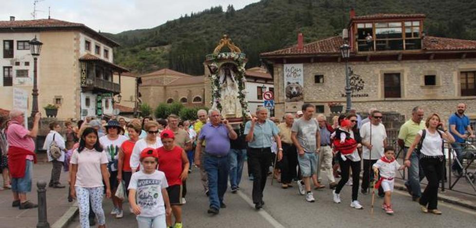 La Virgen de Valmayor fue llevada en andas desde Potes a su santuario