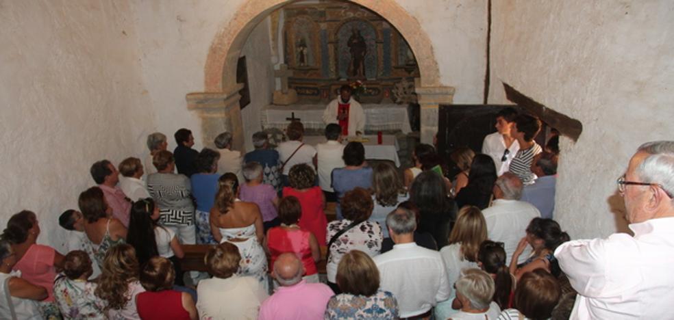 La festividad de San Roque se celebró en la ermita entre Vendejo y Caloca