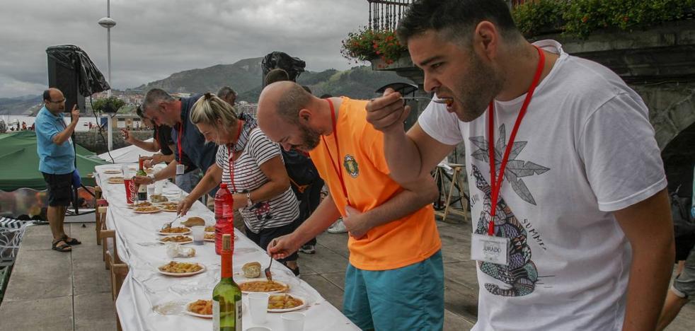 Denuncian que un organizador de La Marmita de Castro pidió dinero a cambio de premios