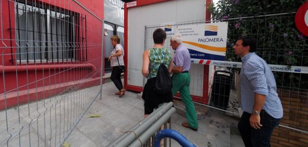 Técnicos y vecinos acceden a los pisos de Sol para comprobar su estado