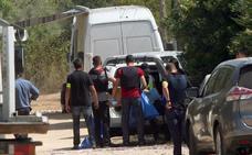 Los Mossos efectúan explosiones controldas en la casa de los terroristas en Alcanar