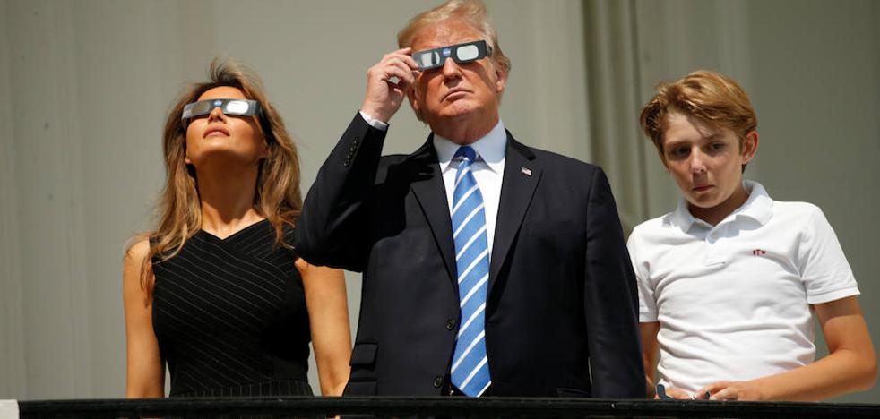 Acaba el eclipse de Sol en EE UU, seguido por millones de personas