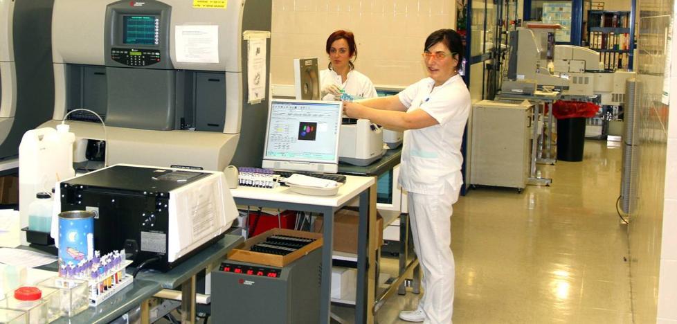 Los sindicatos rebaten el «catastrofismo» de ATI sobre el Servicio de Patología de Laredo