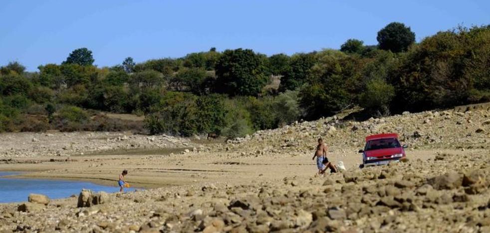 La sequía reduce el nivel del pantano del Ebro al 31%, el más bajo de las últimas tres décadas
