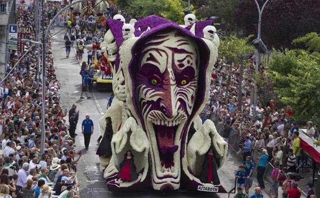 Laredo celebra esta tarde la Batalla de Flores