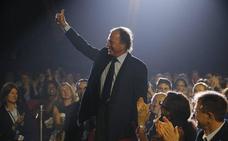El supuesto hijo valenciano de Julio Iglesias demandará al cantante en septiembre