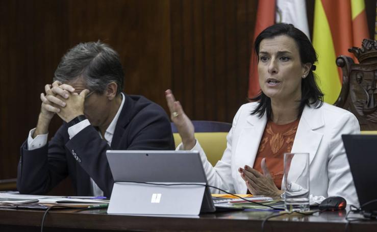 Las imágenes del Pleno del Ayuntamiento de Santander, este jueves 31 de agosto
