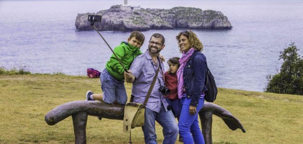 El sector hostelero examina la ley que regulará las viviendas de uso turístico