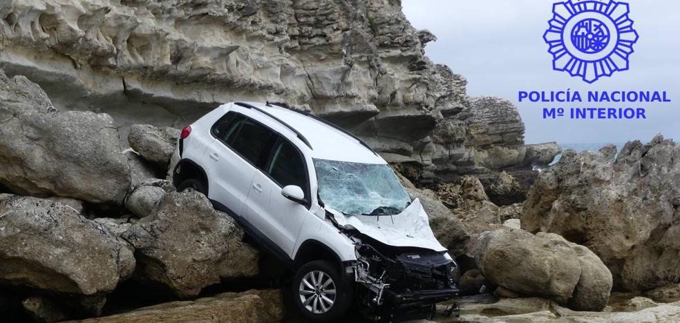 Tres jóvenes detenidos por robar y despeñar un coche en La Maruca