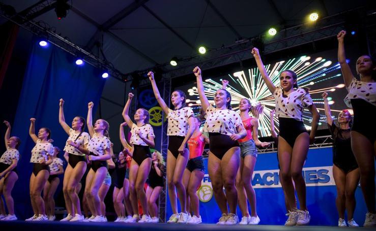 Danza y folclore internacional en el Festival de las Naciones