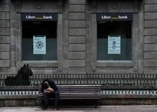 Liberbank contiene su caída al 12,3% tras proponer una ampliación de capital de 500 millones