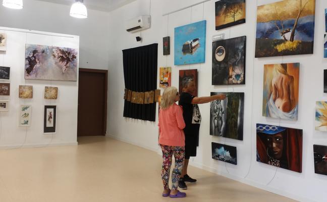 Los alumnos de la Casa de las Artes Plásticas de Miengo exponen en el Centro Cívico de Cudón
