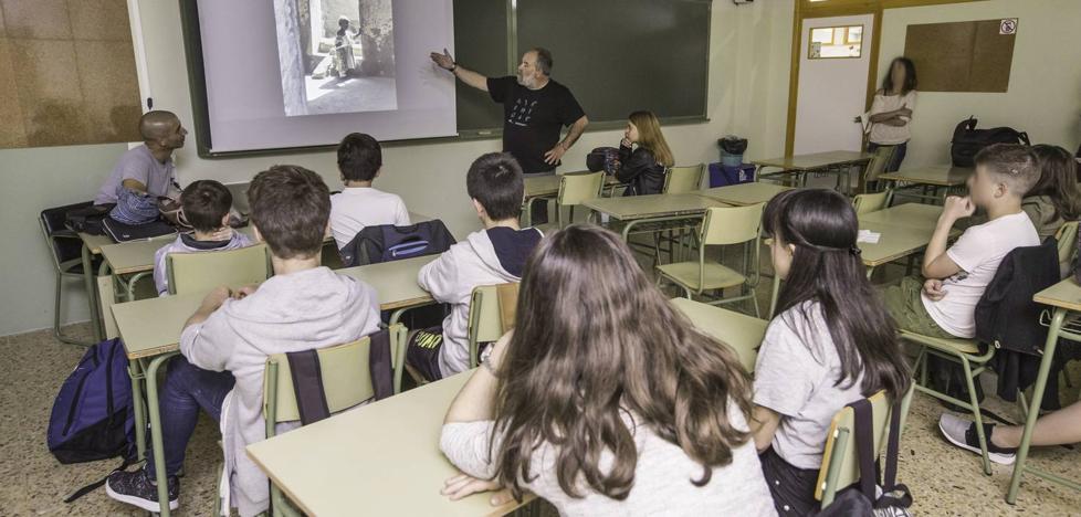 El curso empieza hoy en los institutos, pero las clases tendrán que esperar