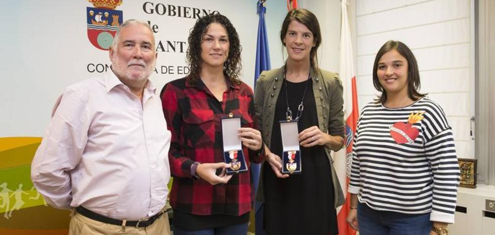 Beitia y Cuadrado reciben las medallas al Mérito Deportivo de Cantabria