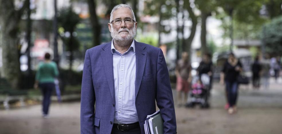 Ramón Ruiz: «Es inaudito que se anuncie mi cese hace casi dos semanas y aún no haya otro equipo»